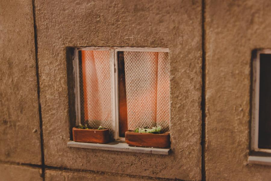 ...z miniaturowymi oknami
