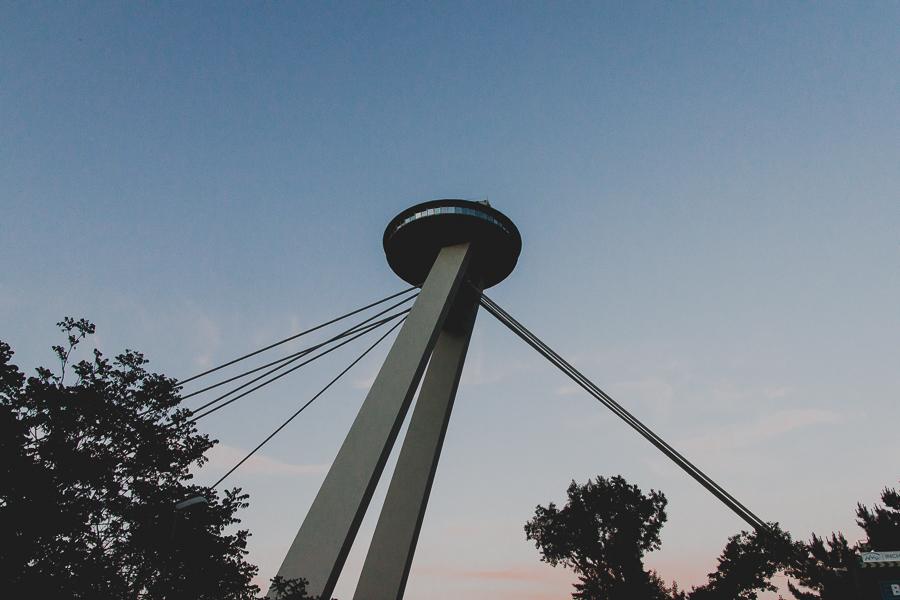UFO na moście SNP